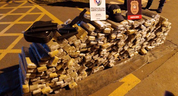 Ação conjunta PRF, PM e Civil apreende 230 kg de maconha e uma pistola na BR 282 em Campos Novos - Santa Catarina